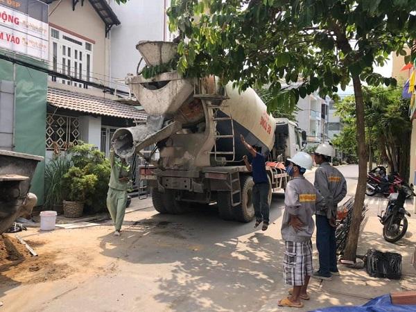 Nhà Đẹp Sài Gòn luôn sử dụng máy móc hiện đại để phục vụ quá trình thi công