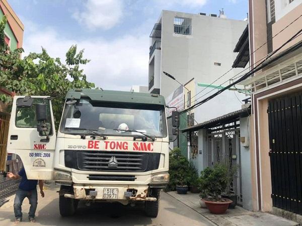 Sự thuận lợi của việc thi công là xe tải có thể vào tận nơi công trình xây dựng