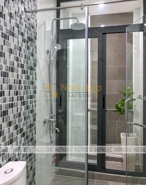 Một góc nhỏ trong phòng wc, dù là phòng wc nhưng vẫn có thiết kế đặc biệt để lấy được ánh sáng tự nhiên