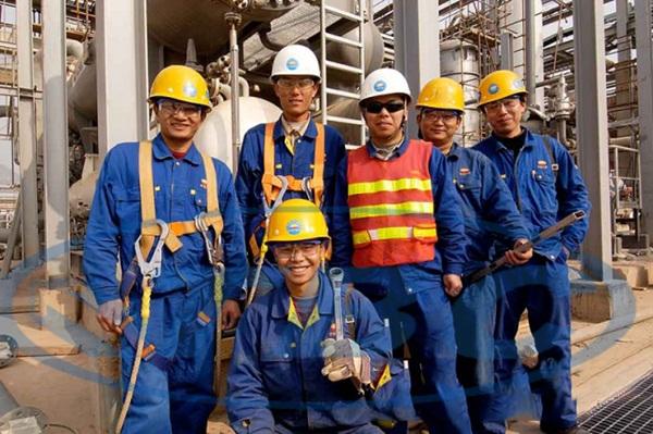 Nhân công tham gia xây dựng nhà đều được đào tạo bài bản, chuyên nghiệp, giàu kinh nghiệm