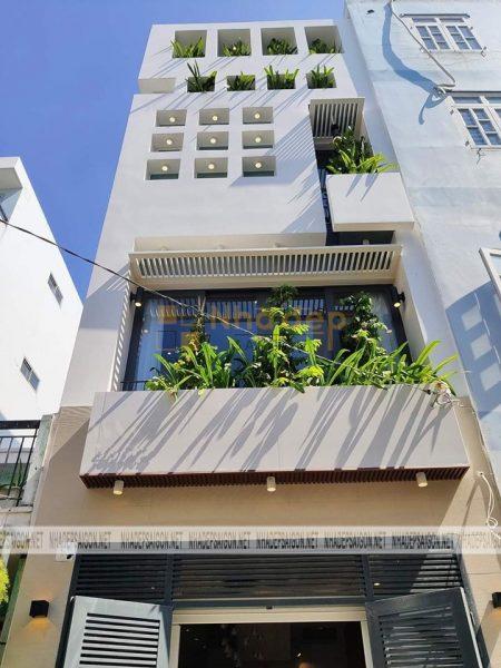 Sử dụng nhiều ô vuông để tạo không gian xanh cho ngôi nhà