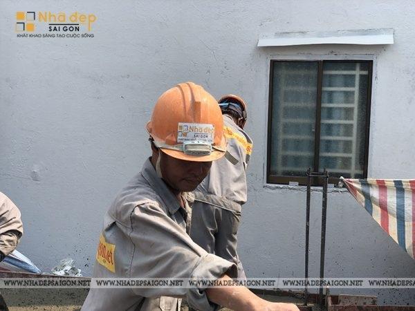 Kỹ sư xây dựng có trình độ chuyên môn và kinh nghiệm cao