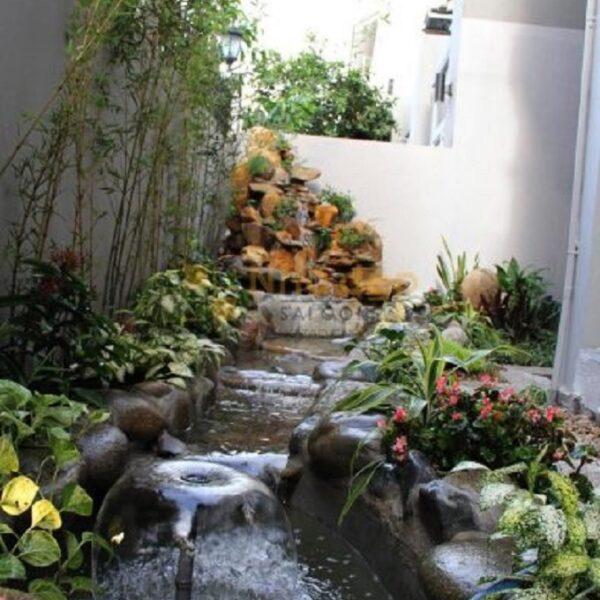 Không gian tiểu cảnh có cây, có nước vừa tăng tính thẩm mỹ cho ngôi nhà vừa đảm bảo yếu tố phong thủy cho gia chủ