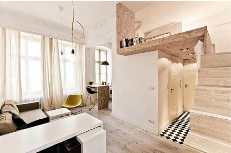 Mặc dù căn nhà có diện tích không lớn nhưng nội thất được sắp xếp gọn gàng, phần gác lửng cũng được sử dụng làm phòng làm việc, tránh xa được muỗi hay côn trùng. Căn phòng sử dụng hệ thống cửa kính giúp cho ngôi nhà có đầy đủ ánh sáng.