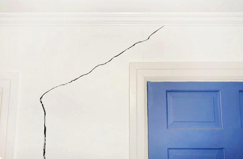 Các nguyên nhân khiến tường nhà mới xây bị nứt